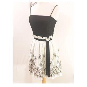 Dresses & Skirts - NWOT Roberta Midi Dress